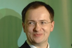 Петербургский депутат спросил Мединского о его кабинете в Эрмитаже