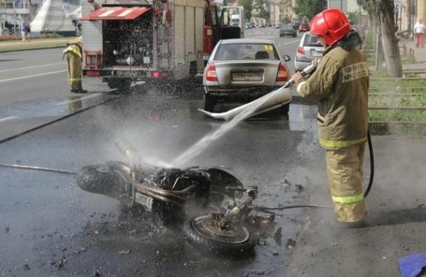 В Красном Селе в аварии с КАМАЗом погиб мотоциклист