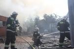 В Красносельском районе тушат пожар по повышенному номеру сложности: Фоторепортаж
