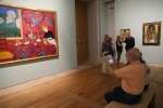 Фоторепортаж: «Полтавченко пришел на выставку современного искусства»