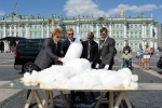 Фоторепортаж: «Снег на Дворцовой»
