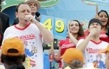 Фоторепортаж: «Nathan's Hot Dog Eating Contest»