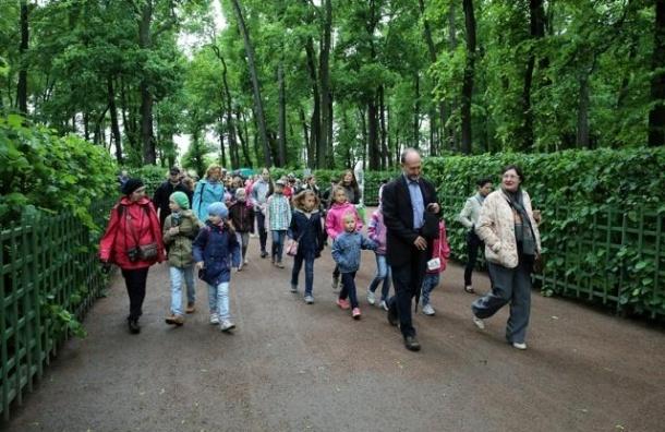 В Летнем саду проводят бесплатные ботанические экскурсии