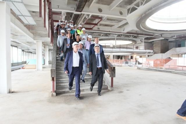 Полтавченко осматривает гостиницу и реконструкцию терминала в Пулково: Фото