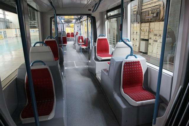 Новый низкопольный трамвай появится в Петербурге в 2015 году: Фото
