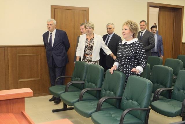 Колпинский районный суд: Фото