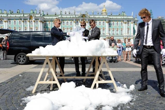Снег на Дворцовой: Фото