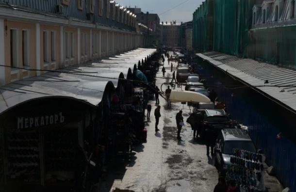 В Петербурге горел склад в Апраксином дворе