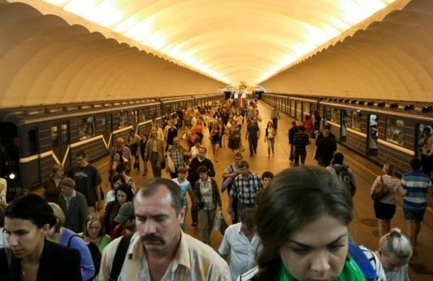 На станции «Проспект Большевиков» заблокировано движение из-за упавшего человека