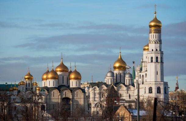 Путин предложил восстановить монастыри и церковь в Кремле