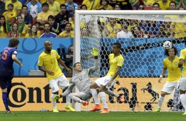 Голландия завоевала бронзу ЧМ, разгромив Бразилию