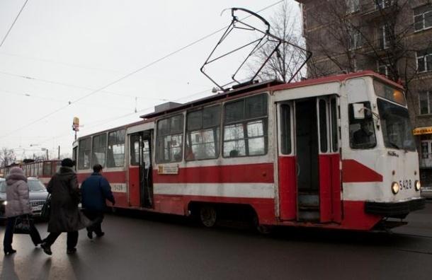В Петербурге за 10 лет заменят 350 трамвайных вагонов