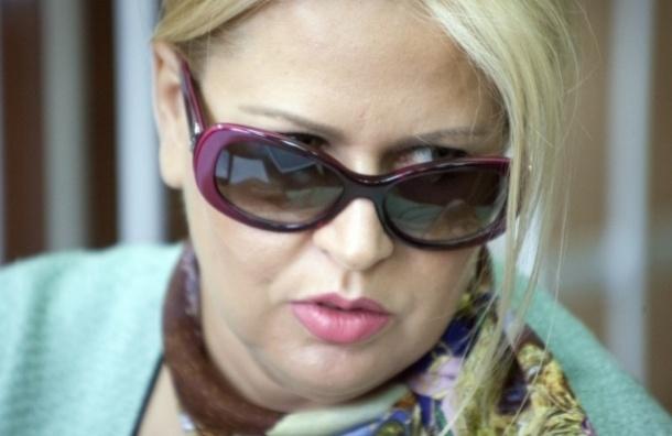 Васильева получила замечание за чрезмерное веселье в зале суда