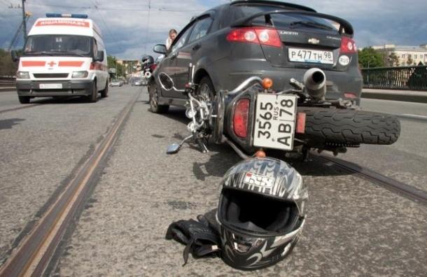 Полиция задержала экс-судью, сбившую мотоциклистку на Малоохтинском