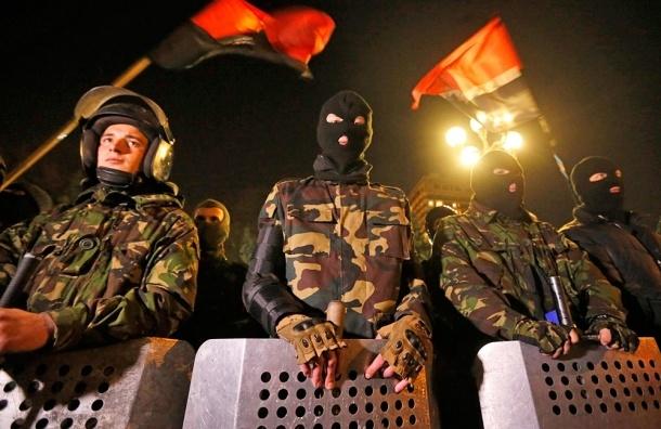 «Правый сектор» требовал от «Лукойла» бензин на нужды украинской армии