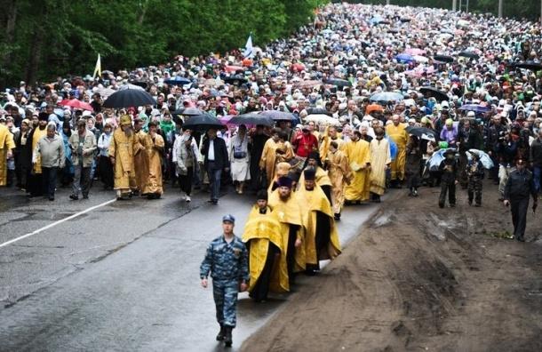 Более 700 человек обратились за помощью во время Крестного хода в Подмосковье