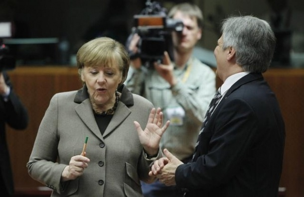 Евросоюз и Россия из-за санкций потеряют по 100 млрд евро