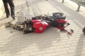 В Купчино мотоциклист сбил пешехода и погиб