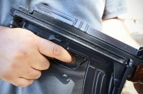 В Невском районе люди с автоматами ограбили инкассаторов