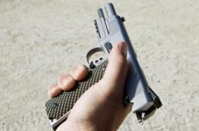 На Крестовском острове неизвестные открыли стрельбу, ранив трех человек