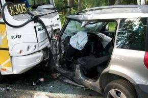 В ДТП под Петербургом погиб один человек и трое пострадали