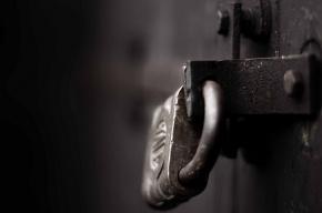Кандидат в муниципалы пикетировал прокуратуру из-за закрытого избиркома