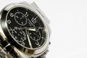 При досмотре в «Пулково» у мужчины украли часы за 320 тысяч