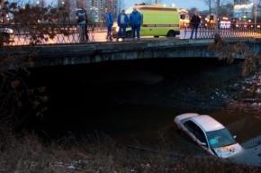 В Ленобласти иномарка вылетела в кювет, один человек погиб