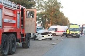 На Московском шоссе бензовоз смял иномарку