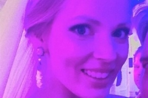 Медведев погулял на свадьбе Кожина с солисткой «Мобильных блондинок»