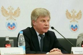 Хулиганы забросали здание Российского футбольного союза презервативами