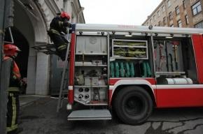В Петербурге тушили пожар на заводе подшипников «Интерпласт»