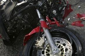 В ДТП в Ломоносове байкеру оторвало ногу