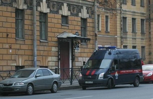 В Петербурге автомобиль Следственного комитета сбил женщину на «зебре»