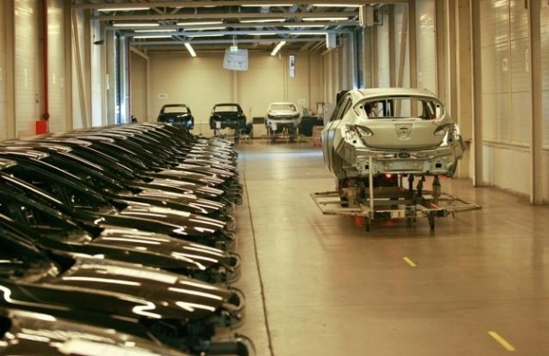 Завод GM в Петербурге закрылся на месяц