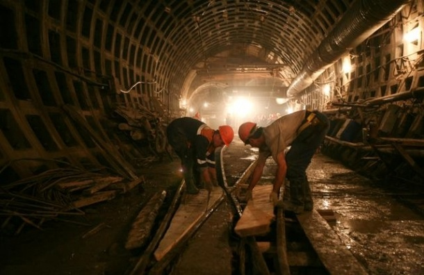 Москвичи жаловались в метро на неисправные пути, но получили отписку