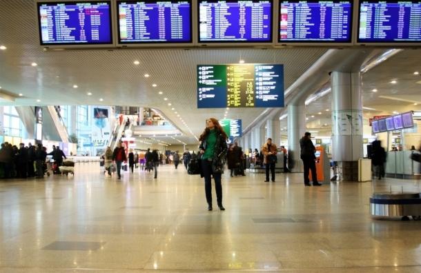 В аэропорту Домодедово задержали вылет из-за сообщения о бомбе