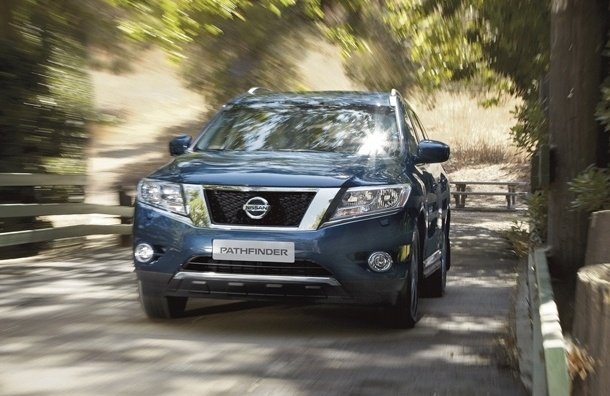 Завод Nissan в Петербурге начал сборку кроссоверов-гибридов Pathfinder