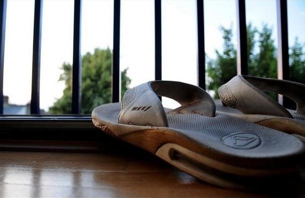 В Петербурге школьник выбросился из окна после ссоры с матерью