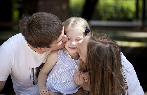 Как стать родным для приемного ребенка