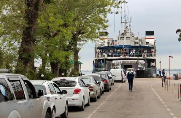В порту «Крым» в пробке стоят 2700 машин