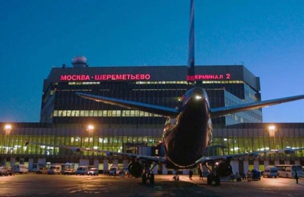 Самолет Дубай - Москва приземлился в Ереване из-за дебошира