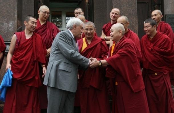 Полтавченко оценил реставрацию буддийского дацана