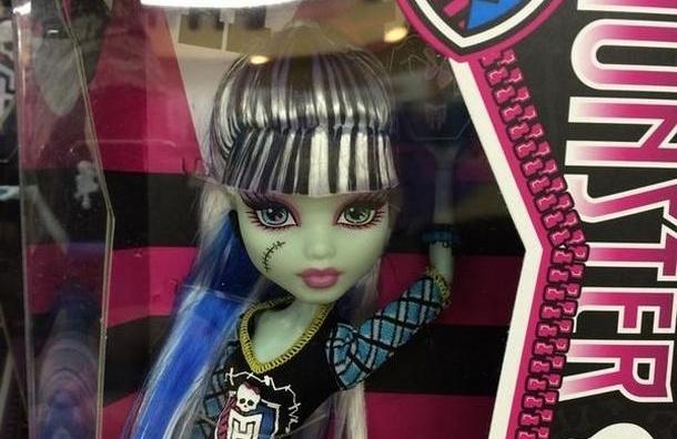 Милонов пожалуется в прокуратуру на детских кукол-зомби