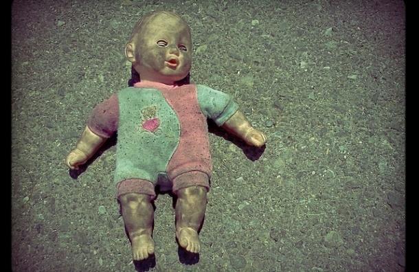 В Челябинске пьяная женщина выбросила в окно трехлетнего племянника