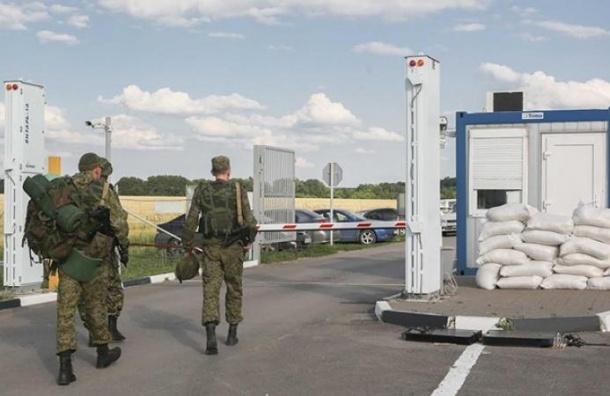 Более 400 украинских солдат попросили временное убежище в РФ