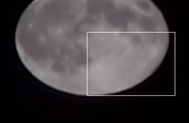 Астроном-любитель снял во время суперлуния НЛО