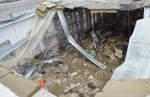 Ливни стали причиной обрушения крыши училища в Севастополе