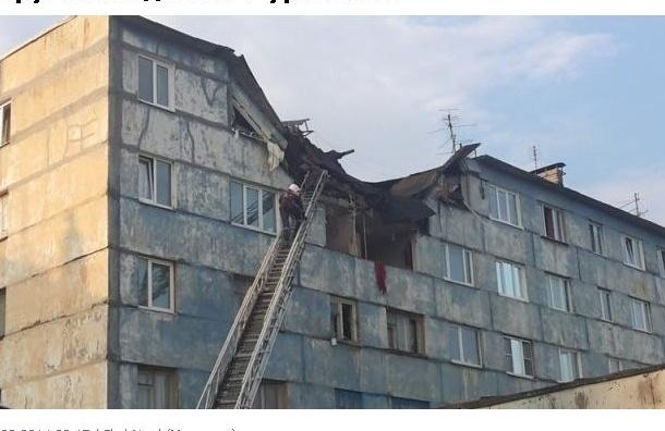 В Мурманске взрыв газа разрушил два этажа жилого дома