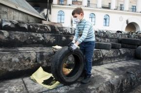 Проезжая часть Крещатика в Киеве освобождена от баррикад